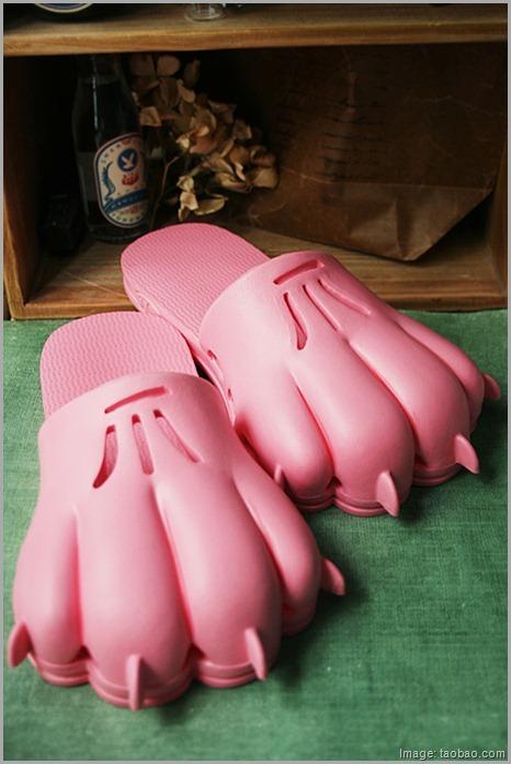 [Item] Crocs des Black Diamond Bear-claw-crocs-asian-footwear_thumb