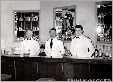 Vintage - bartenders at airport bar - black and white
