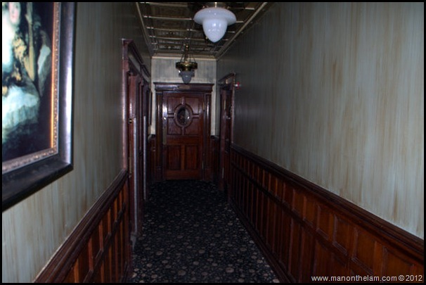 Hallway of the Old Strand Hotel -- American Ghost Adventures, Orlando, Florida - Aeroplan
