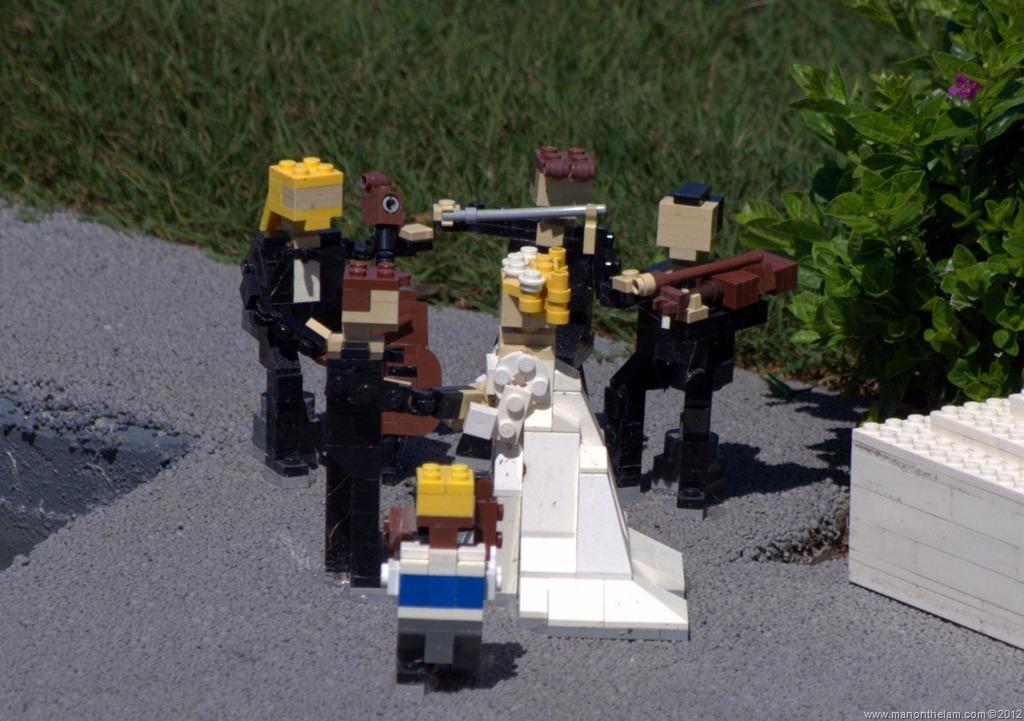 Midget-marrying-a-couple-Miniland-USA-Legoland-Florida-Aeroplan-Welcome-Aboard-Event.jpg