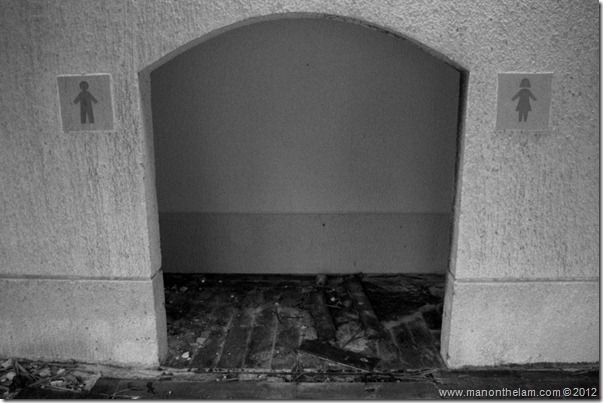 scary bathroom -- Abandoned Beach Resort, Club Maeva Tulum, Xpuha, Riviera Maya, Mexico 187