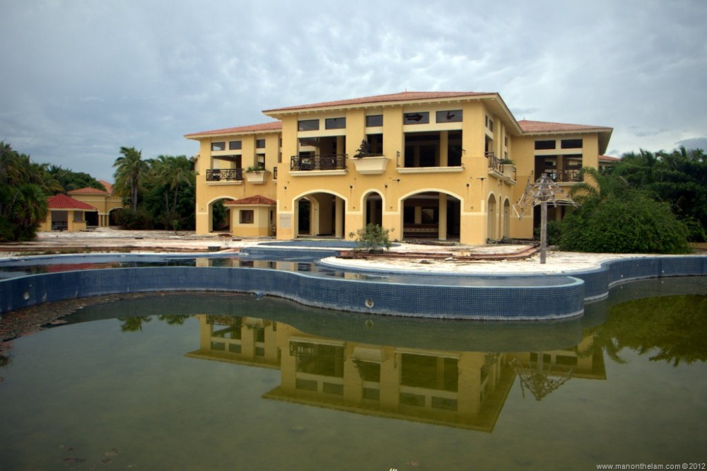 Abandoned-Beach-Resort-Club-Tulum-Xpulha-Riviera-Maya-Mexico-197.jpg