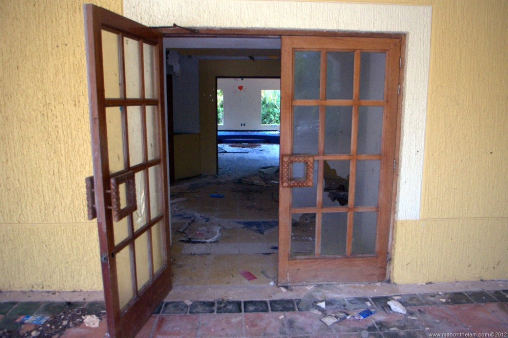 Abandoned-Beach-Resort-Club-Tulum-Xpulha-Riviera-Maya-Mexico-210.jpg