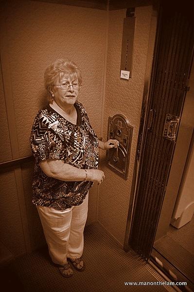 Kinsgsmills elevator operator 002