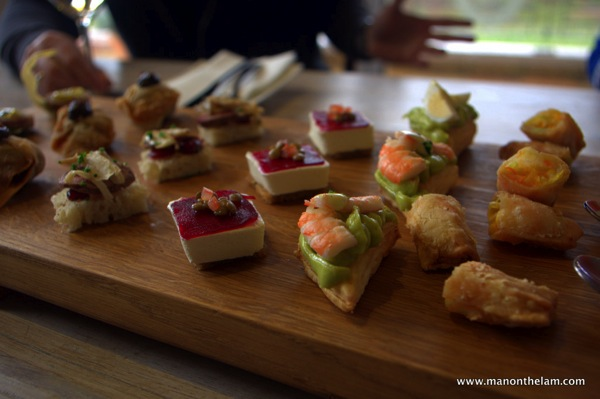 The grape escape canap s and chardonnays creationwines for Canape wines